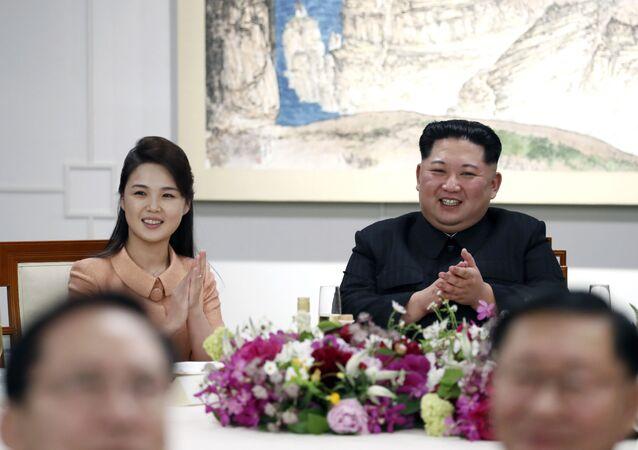 Kim Jong-un et son épouse Ri Sol-ju