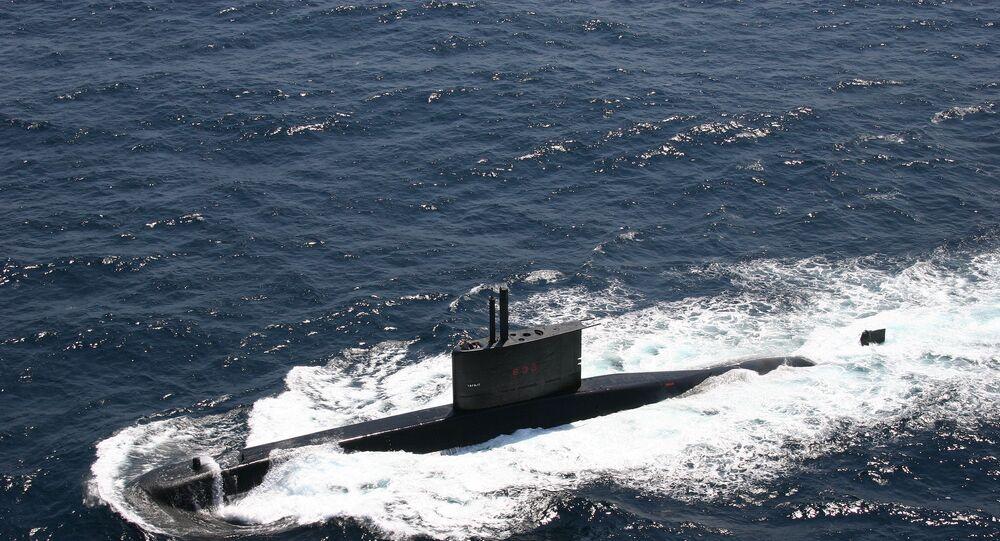 Un S-33, sous-marin Tapajo de la Marine brésilienne