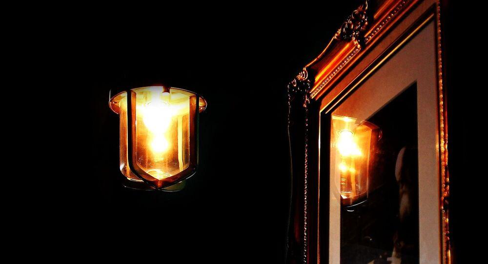 la nuit (image d'illustration)