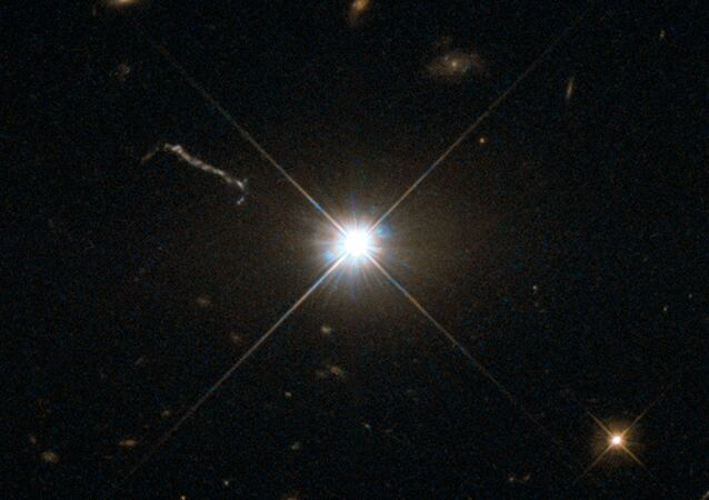Hubble a pris en photo un premier quasar