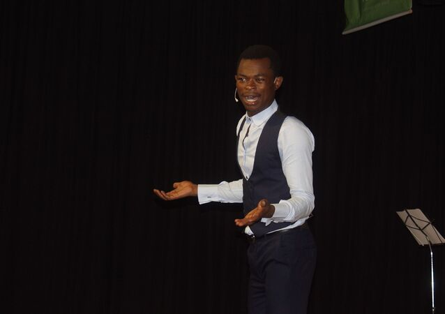 Ulrich Takam, jeune prodige de l'humour, star d'une websérie au Cameroun