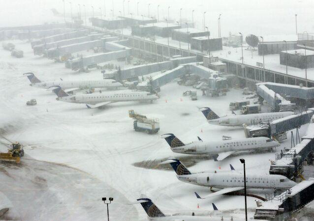 Neige à l'aéroport d'O'Hare à Chicago, image d'illustration
