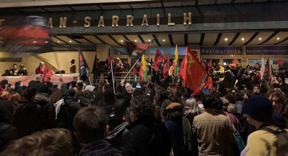Rassemblement contre la précarité étudiante suite à la tentative d'immolation par le feu d'un étudiant lyonnais