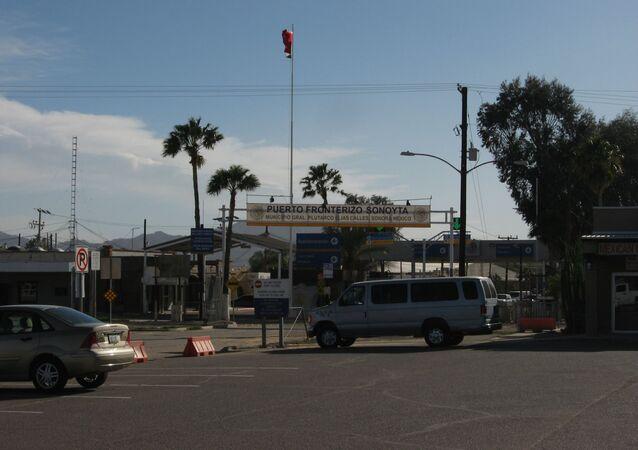 Un poste de contrôle dans l'Arizona, à la frontière entre les États-Unis et le Mexique