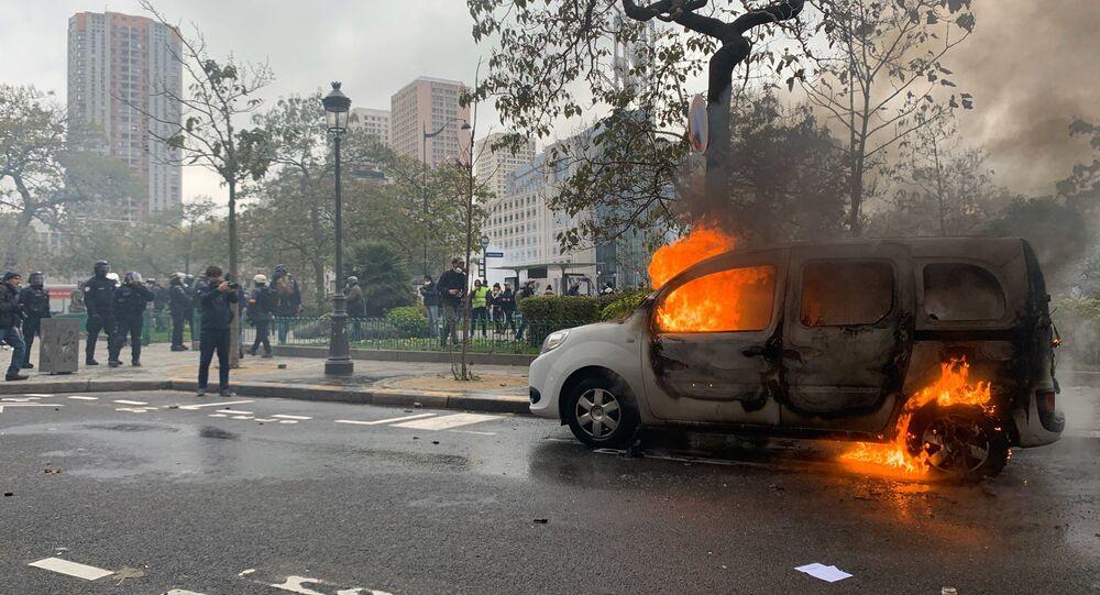 voiture en feu