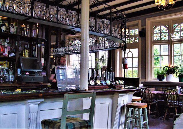 un pub de Londres, image d'illustration