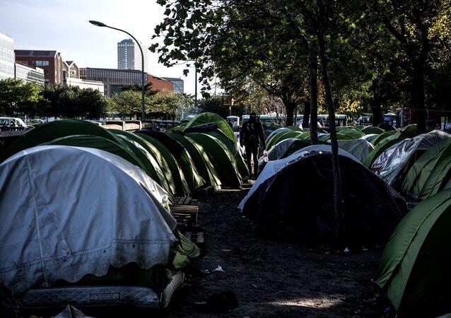 Le camp de migrants la porte d'Aubervilliers