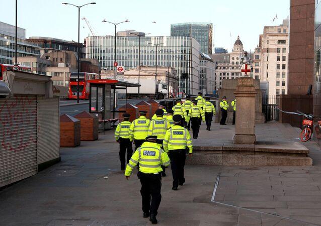 La police britannique près du pont de Londres après l'attaque