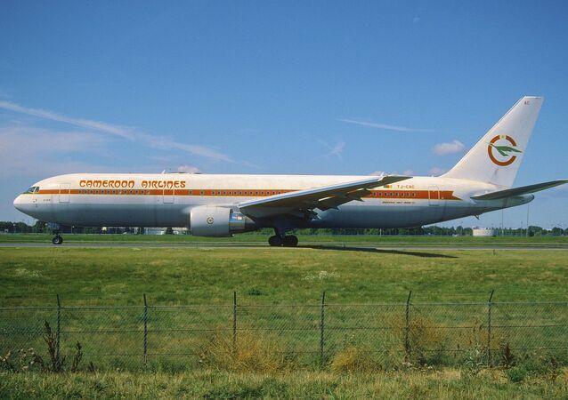 Un Boeing 767-33AER de Cameroon Airlines