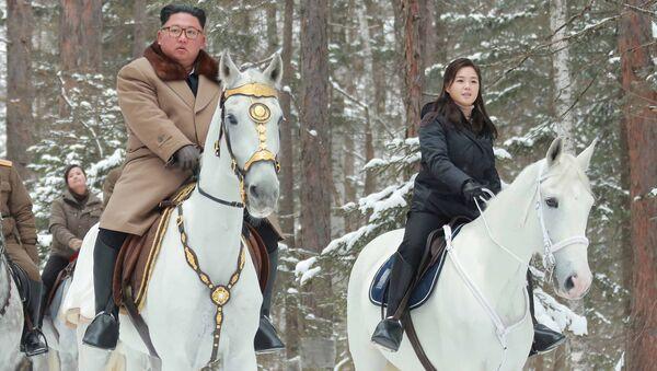 Quand les leaders du monde et leurs épouses s'autorisent une promenade à cheval - Sputnik France
