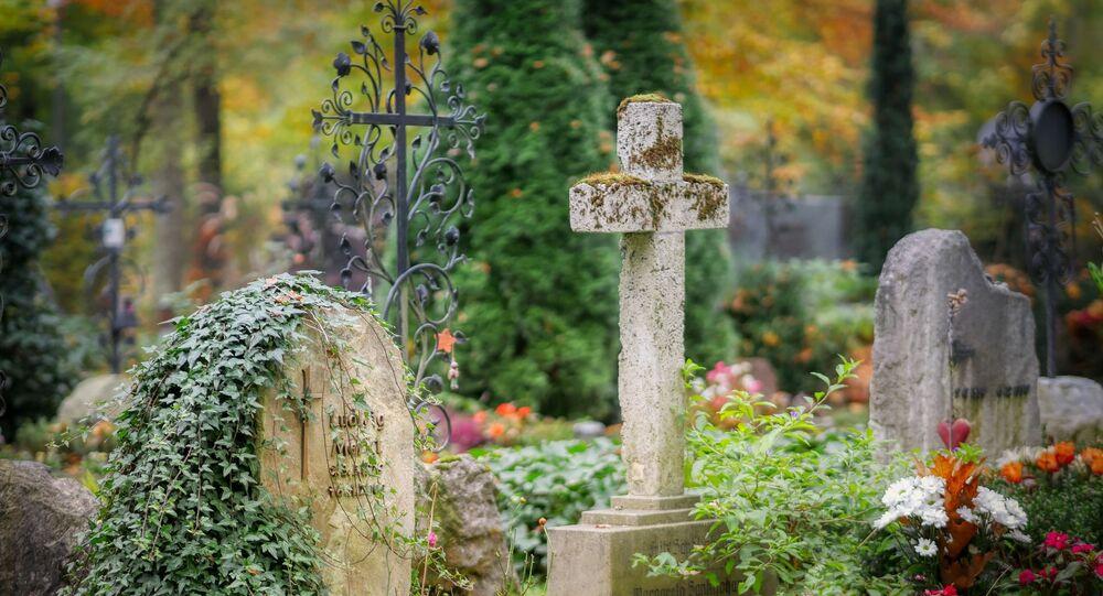 un cimetière, image d'illustration
