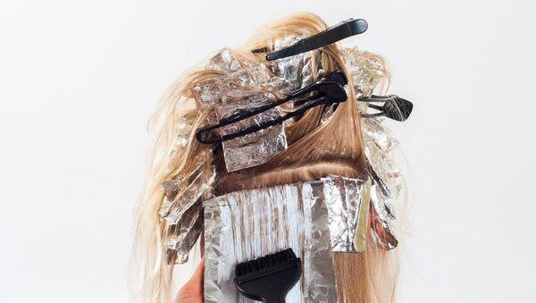 Une coloration des cheveux - Sputnik France