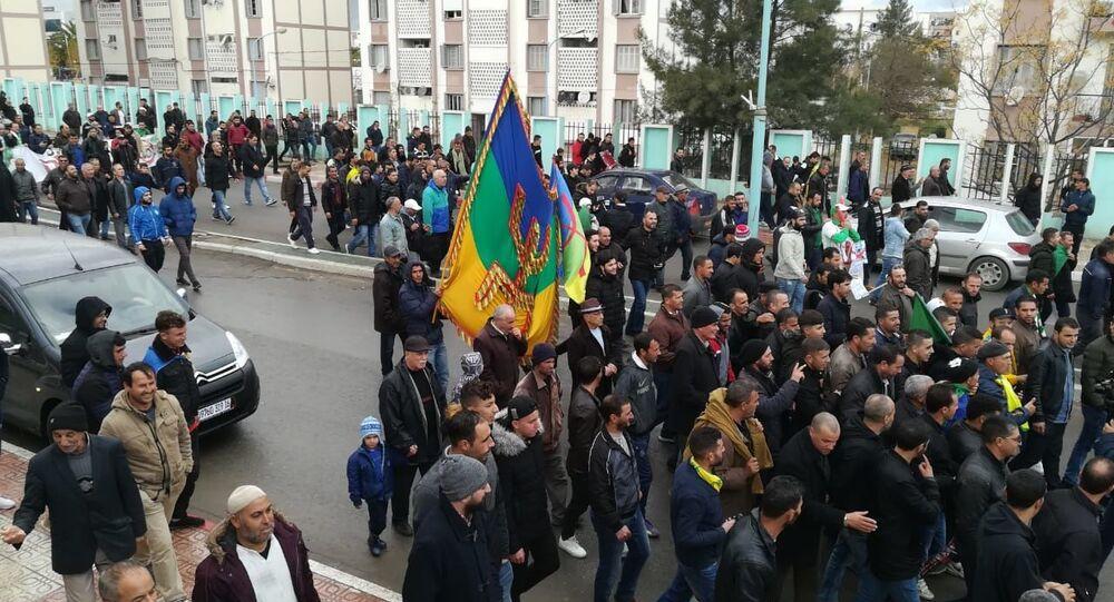Grève générale dans la wilaya de Bouira contre l'élection présidentielle, 10 décembre 2019