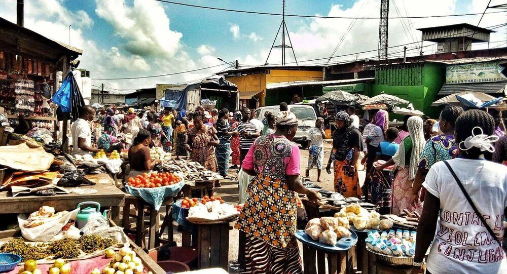 Des femmes au marché d'Abobo, à Abidjan.