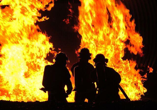 Des soldats du feu, image d'illustration