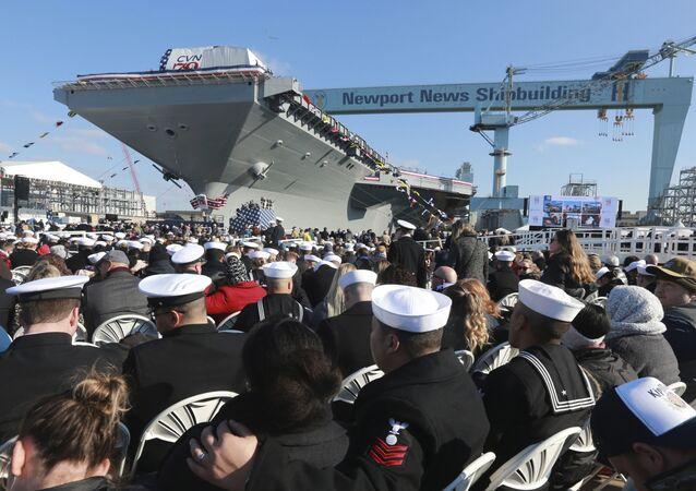 mise à l'eau de l'USS  John F. Kennedy