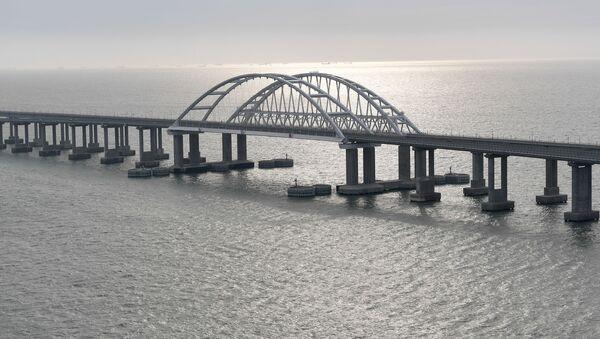 Общий вид на Крымский мост перед церемонией открытия движения по железнодорожной части - Sputnik France