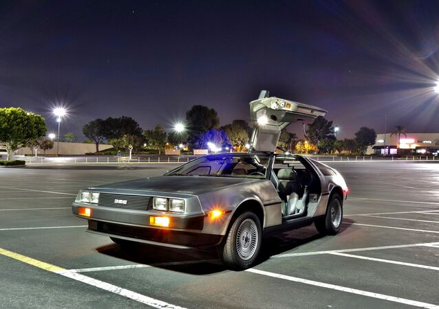 Une DeLorean