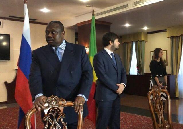 Jean-Jacques Bouya, ministre congolais de l'Aménagement, de l'Équipement du territoire et des Grands Travaux
