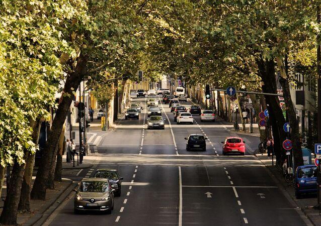 Voitures sur la route (image d'illustration)