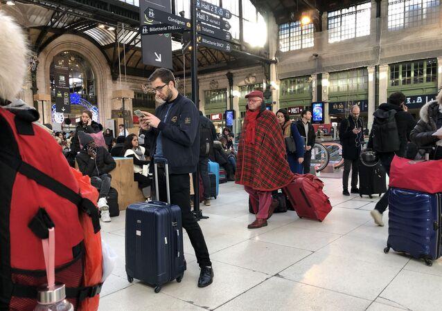 Pere Noel a la Gare