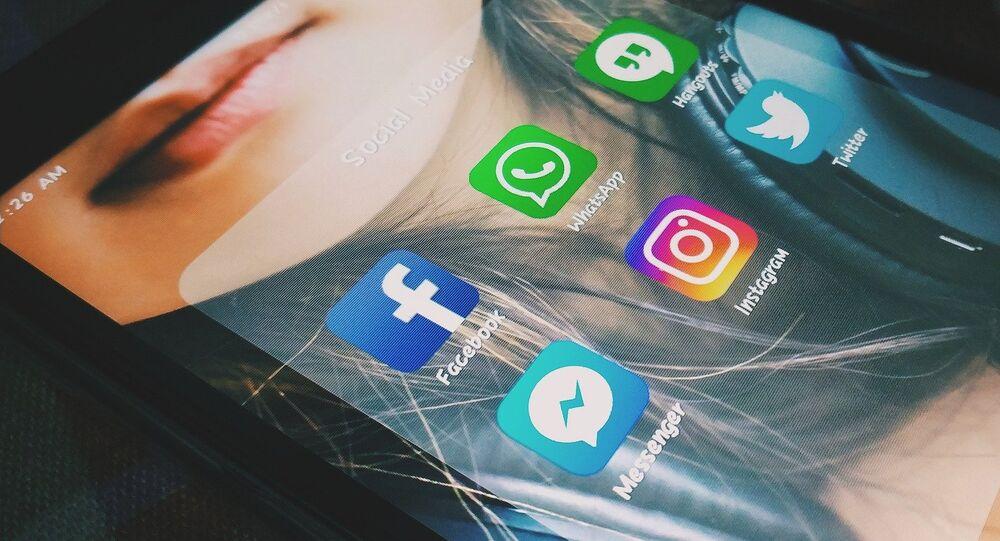 Messageries et réseaux sociaux
