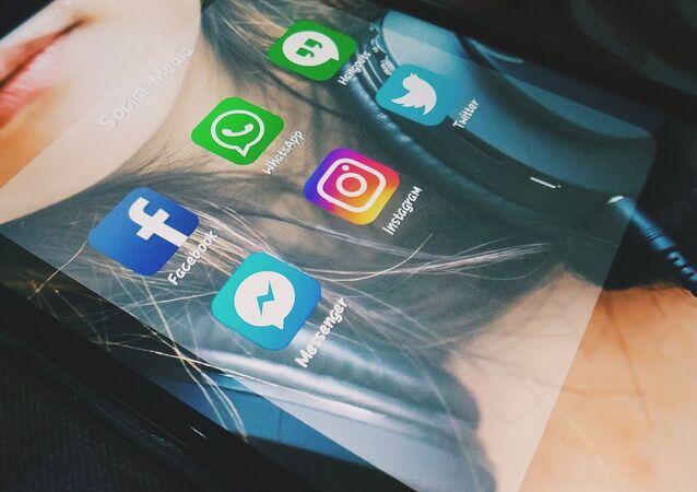 Réseaux sociaux et messageries