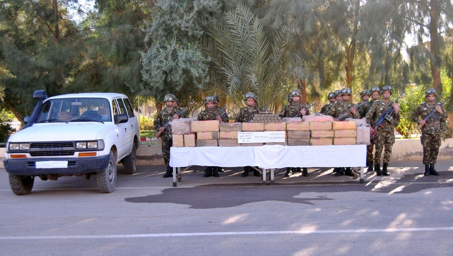 1,250 tonne de résine de cannabis saisie par l'armée algérienne à Béchar - Sputnik France, 1920, 10.03.2021
