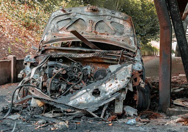 Une voiture brûlée (image d'illustration)