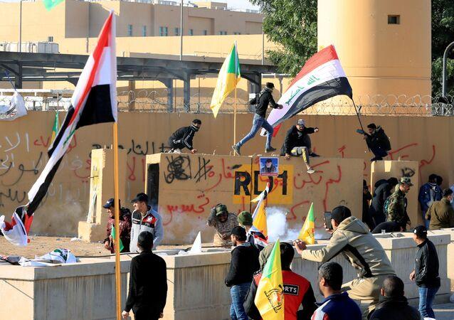 Emeutes près de l'ambassade US à Bagdad
