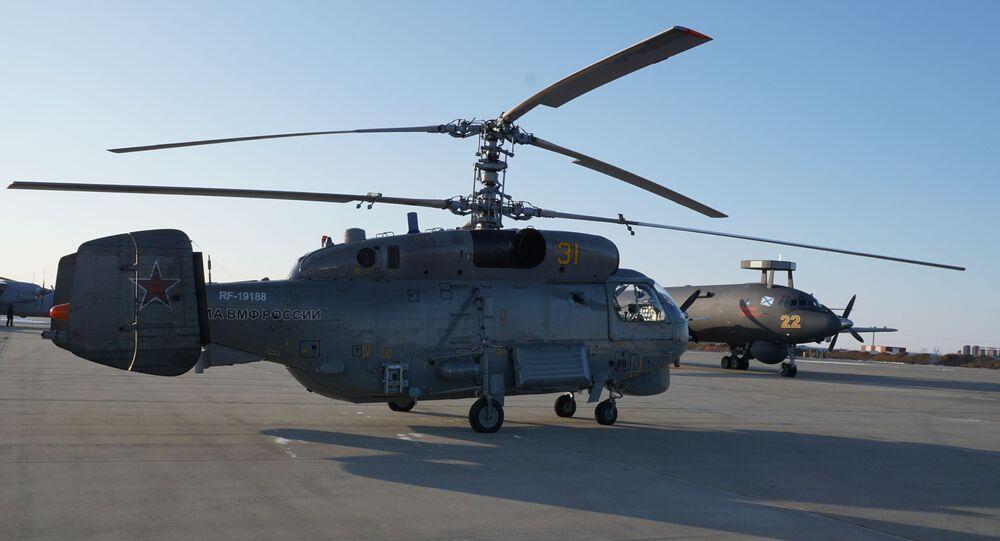 Un hélicoptère Ka-27M