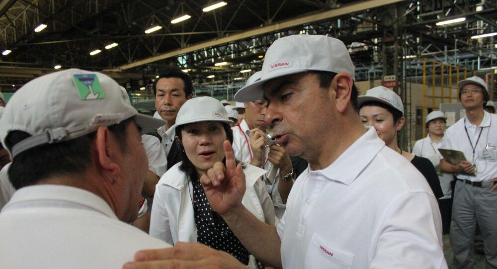 Carlos Ghosn dans un hub logistique de Nissan, Honmoku