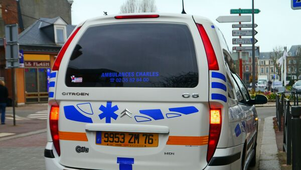 Une ambulance française - Sputnik France