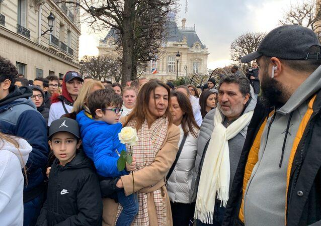 Livreur mort après son interpellation à Paris: une marche blanche à Levallois-Perret en son hommage