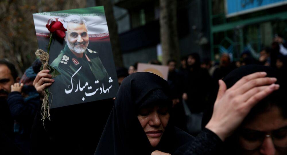 Des femmes iraniennes pleurent la mort du général Qassem Soleimani (photo d'archives)