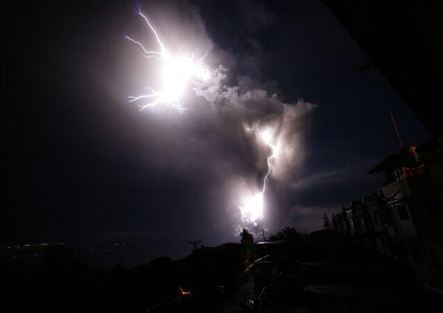 Une éruption de volcan (image d'illustration)