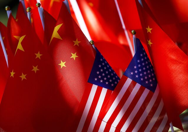 Drapeaux des USA et de la Chine