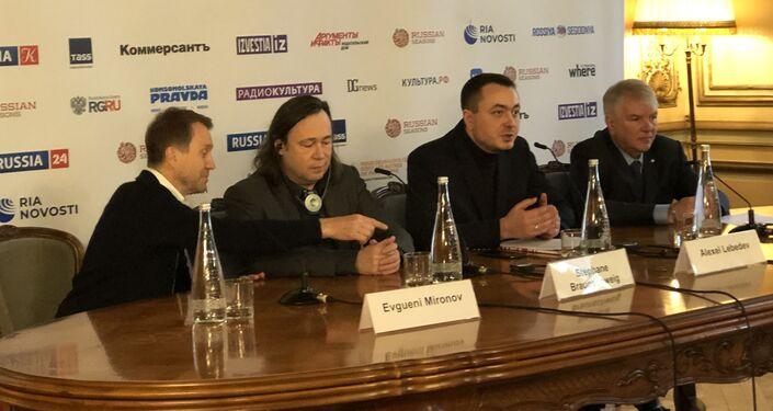 Conférence de presse d'ouverture des « Saisons» au sein de la représentation commerciale russe en France