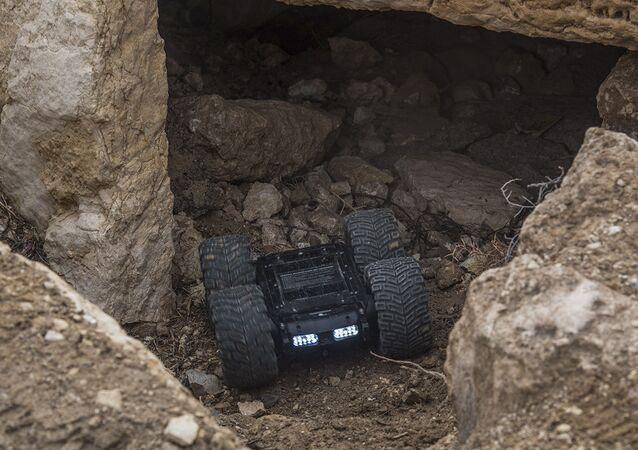 Le robot démineur russe Scarabée en Syrie