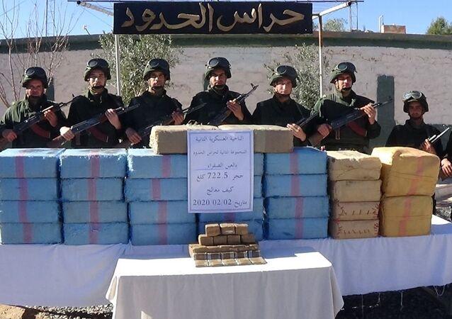 Des garde-frontières ont saisi le 02 février 2020 à Nâama 722,5 kilogrammes de résine de cannabis