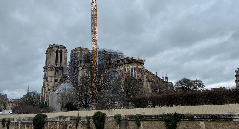 Macron veut restaurer Notre-Dame et sa flèche à l'identique