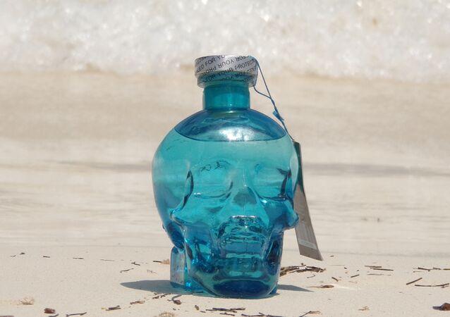 After Lyfe, la première vodka algérienne, avec son flacon en forme de skull.