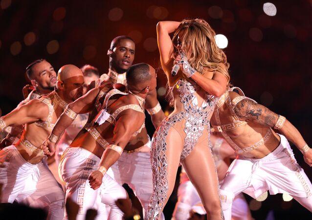 Jennifer Lopez lors du show en mi-temps du Super Bowl
