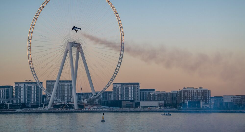 Vince Reffet a réalisé à Dubaï un décollage du sol avant de voler à 1.800 mètres d'altitude