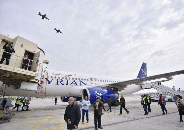 Le premier vol Damas-Alep atterrit après huit ans de pause
