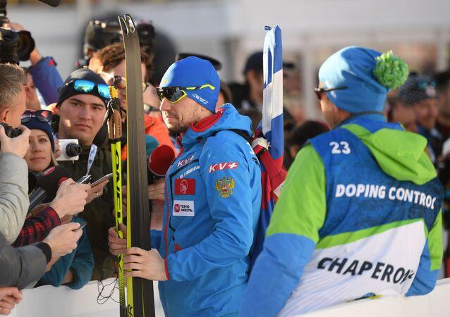 Le biathlète russe Alexander Loginov  aux Mondiaux de biathlon en Italie