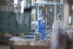Des malades du Covid-19 dans un hôpital à Wuhan