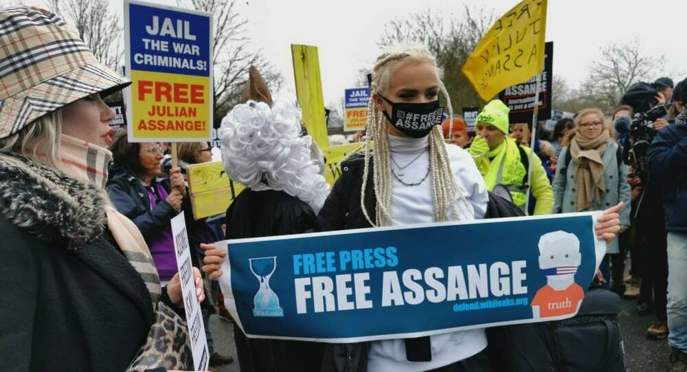 Manifestation des partisans de Julian Assange à Londres