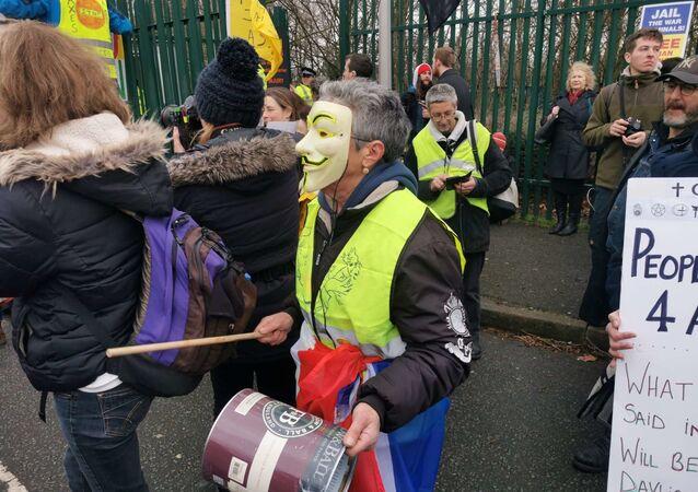 Des partisans d'Assange organisent une manifestation à Londres