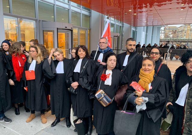 Des avocats en grève contre la réforme des retraites